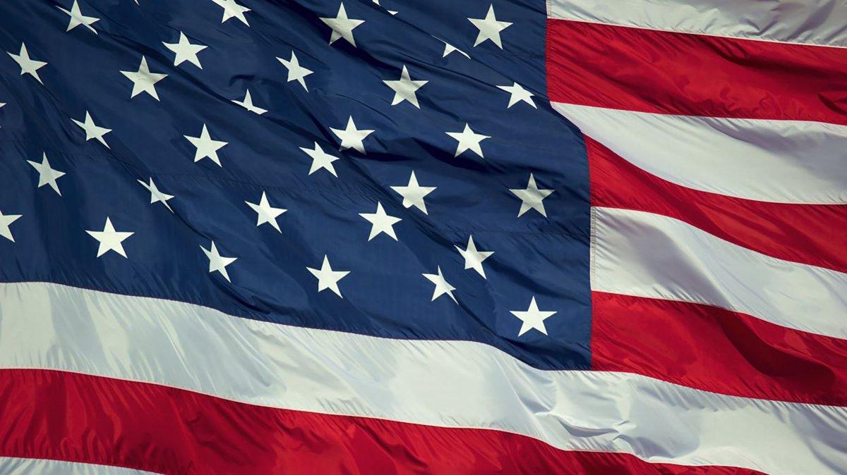 10 mitos sobre la bandera de Estados Unidos
