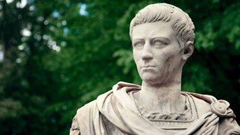 Calígula: ¿asesino y depravado, o víctima de la historia?
