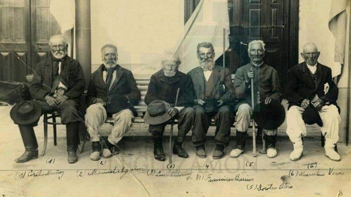 Fotografía de los veteranos del Combate de San Lorenzo.