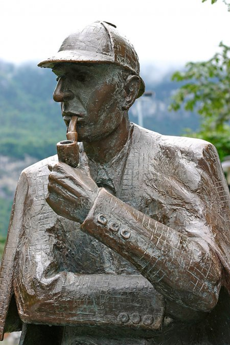 Estatua de Sherlock Holmes en Meiringen
