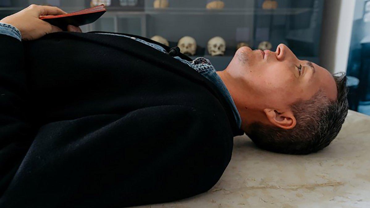 El filósofo se hace el muerto