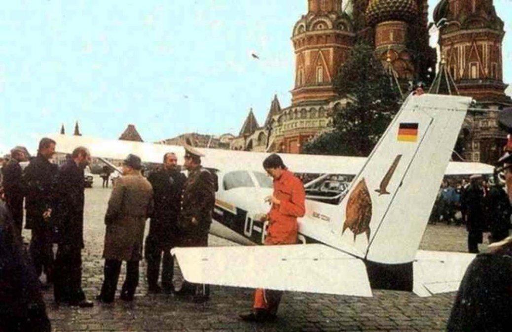 Rust aterrizó en la Plaza Roja de Moscú.