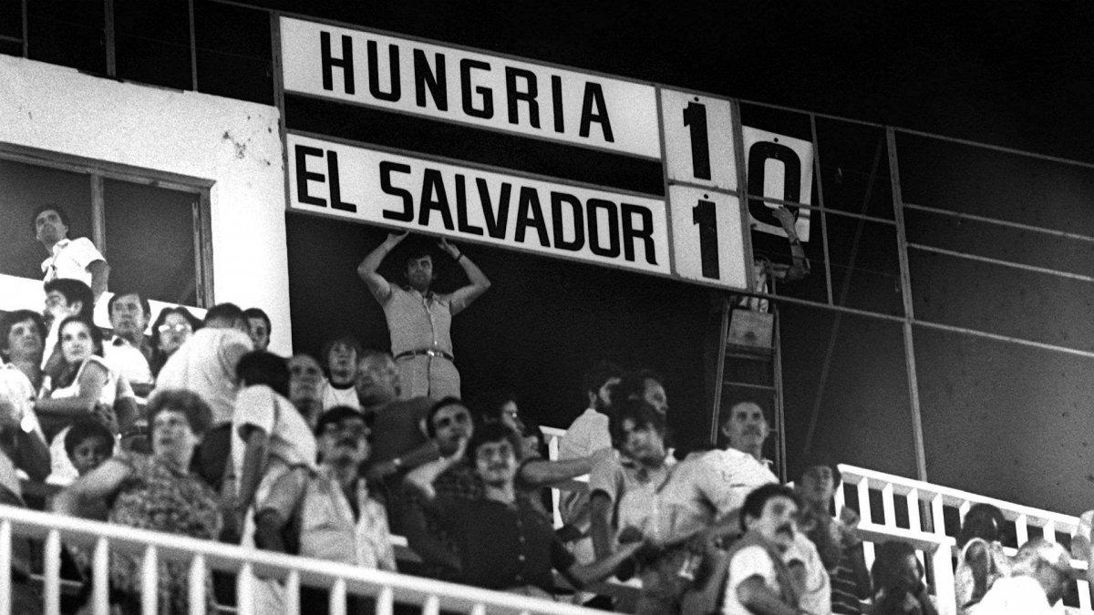 HUNGRÍA -                  EL SALVADOR- 1982