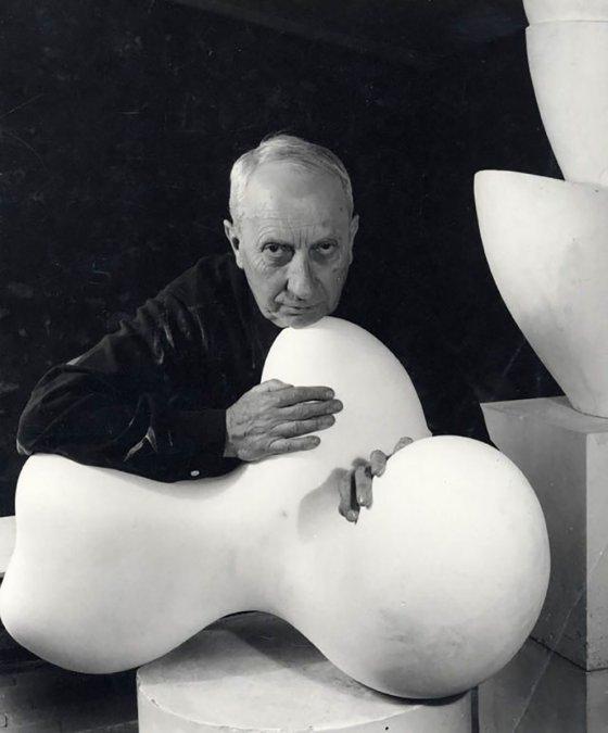 Jean (Hans) Arp. Del Dadaismo al Surrealismo Abstracto. Escultura biomórfica.
