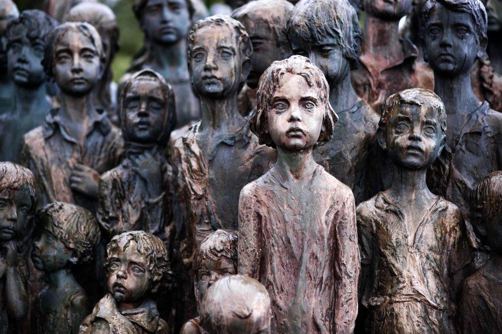 Monumento a los niños víctimas de la guerra