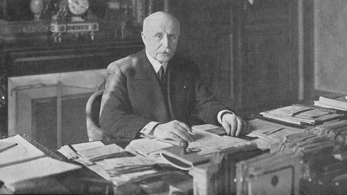 Pétain en su despacho en el año 1940