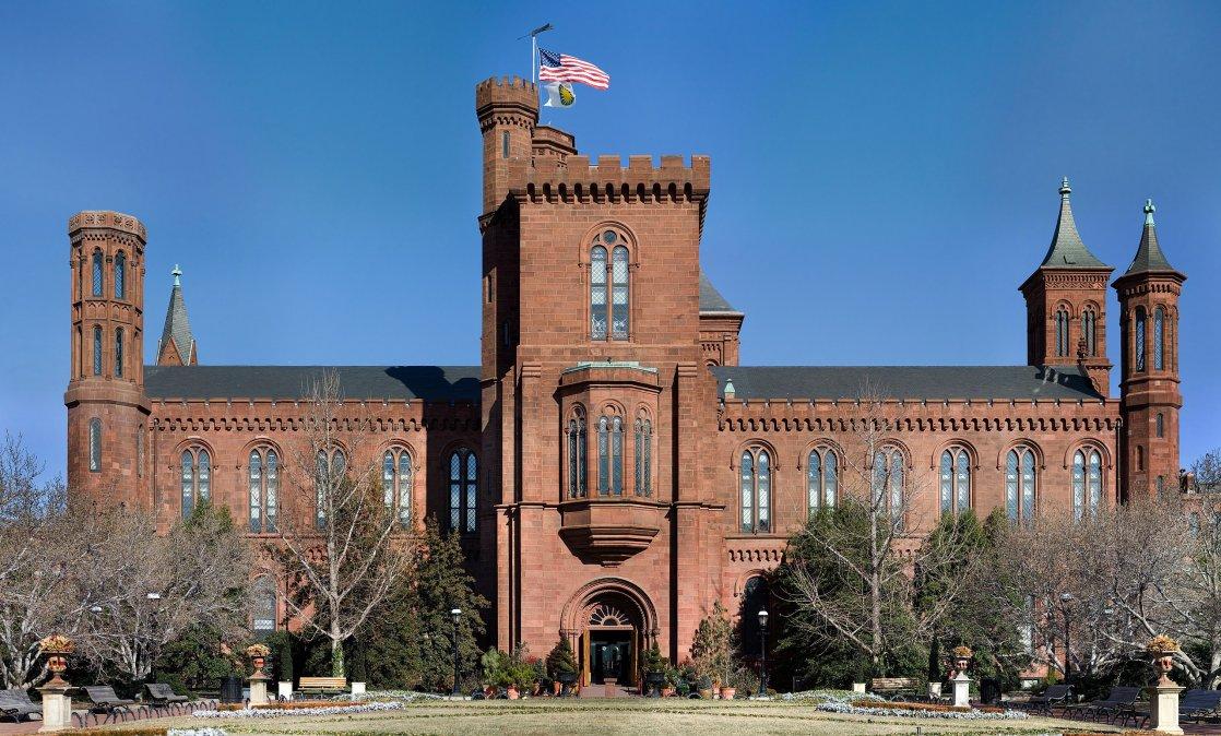 Edificio del Instituto Smithsoniano o Castillo es la sede de la institución.